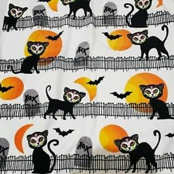 Betsey Johnson Accessories - 😻 Betsey Johnson Towels Kitty Day of the Dead 😻